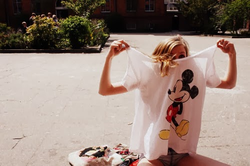 girl-hair-mickey-mouse-shirt-summer-Favim.com-1778581
